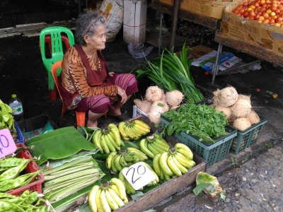 Klong Toey market, the biggest fresh produce market in Bangkok